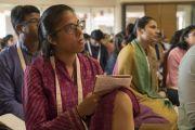 Слушатели во время второго дня учений Его Святейшества Далай-ламы в образовательном комплексе «Сомайя Видьявихар». Мумбаи, штат Махараштра, Индия. 9 декабря 2017 г. Фото: Лобсанг Церинг.