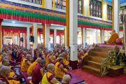 Вид на зал собраний монастыря Ганден Лачи во время учений Его Святейшества Далай-ламы. Мундгод, штат Карнатака, Индия. 17 декабря 2017 г. Фото: Лобсанг Церинг.