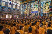 Вид на зал собраний монастыря Намдролинг во время визита Его Святейшества Далай-ламы. Билакуппе, штат Карнатака, Индия. 22 декабря 2017 г. Фото: Тензин Чойджор.