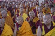 Дээрхийн Гэгээнтэн Далай Лам Сэра Мад дацанд морилов