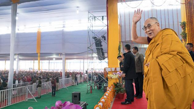 В Бодхгае прошел третий день учений Далай-ламы и был выпущен в свет первый том английского издания «Наука и философия в индийской буддийской классике»