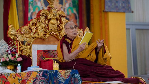 Далай-лама начал учения по «Комментарию по бодхичитте»