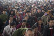 Некоторые из более 50 000 верующих, собравшихся на учения Его Святейшества Далай-ламы по «Сутре Колеса Учения» и сутре «Ростки риса». Бодхгая, штат Бихар, Индия. 6 января 2018 г. Фото: Лобсанг Церинг.