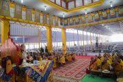 Вид на площадку «Калачакра Майдан» во время первого дня учений Его Святейшества Далай-ламы, на которые собралось более 30 000 верующих. Бодхгая, штат Бихар, Индия. 14 января 2018 г. Фото: Лобсанг Церинг.