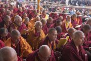 Некоторые из более чем 10 000 монахов и монахинь, собравшихся на площадке «Калачакра Майдан», чтобы послушать учения Его Святейшества Далай-ламы. Бодхгая, штат Бихар, Индия. 15 января 2018 г. Фото: Мануэль Бауэр.