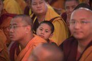 Некоторые из более чем 10 000 монахов и монахинь, собравшихся на площадке «Калачакра Майдан», чтобы послушать учения Его Святейшества Далай-ламы. Бодхгая, штат Бихар, Индия. 16 января 2018 г. Фото: Мануэль Бауэр.