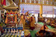 Его Святейшество Далай-лама дарует посвящение Ямантаки 13-ти божеств. Бодхгая, штат Бихар, Индия. 19 января 2018 г. Фото: Мануэль Бауэр.