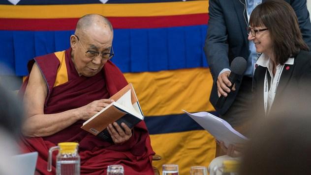 В Дхарамсале началась 33-я встреча Далай-ламы с учеными в рамках конференции института «Ум и жизнь» по теме «Новый взгляд на процветание человечества»