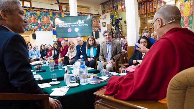 В Дхарамсале прошел третий день диалога Далай-ламы с учеными «Новый взгляд на человеческое процветание»