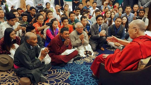 Далай-лама принял участие в первой церемонии вручения дипломов в Центральном университете Джамму