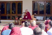 Его Святейшество Далай-лама дарует наставления преподавателям Центрального института высшей тибетологии. Сарнатх, штат Уттар-Прадеш, Индия. 20 марта 2018 г. Фото: Лобсанг Церинг.