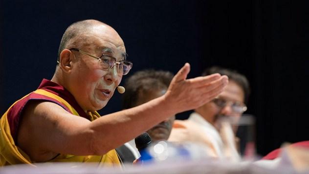 В Дели Далай-лама посетил мемориальный музей и библиотеку Неру