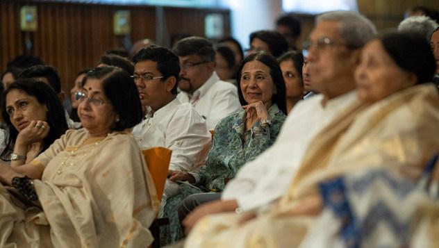 Далай-лама прочел публичную лекцию «Счастье и жизнь без стресса»