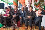 Члены Центральной тибетской администрации и организационного комитета торжественной церемонии «Спасибо, Индия» смотрят выступления артистов. Дхарамсала, Индия. 31 марта 2018 г. Фото: Тензин Чойджор.