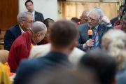 Павел Балабан выступает с первым докладом в ходе диалога между российскими учеными и буддийскими учеными-философами. Дхарамсала, Индия. 3 мая 2018 г. Фото: Тензин Чойджор.