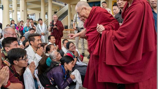 Далай-лама встретился с участниками Международной конференции, посвященной подходу Срединного пути