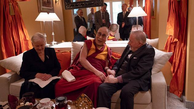 В Вильнюсе Далай-лама встретился со сторонниками Тибета и прочел публичную лекцию