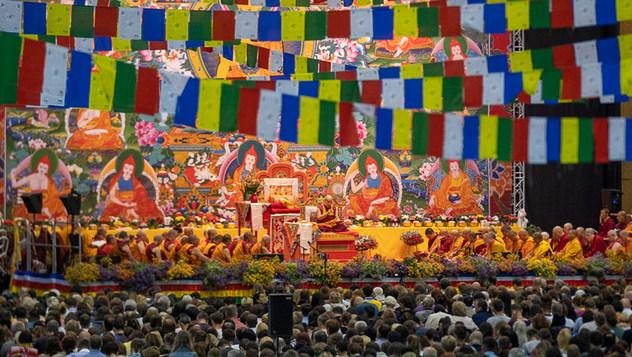 В Риге начались учения Далай-ламы