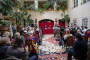 Его Святейшество Далай-лама во время встречи с членами парламентской группы поддержки Тибета и сторонниками тибетского дела в своем отеле в Вильнюсе. Вильнюс, Литва. 14 июня 2018 г. Фото: Тензин Чойджор.