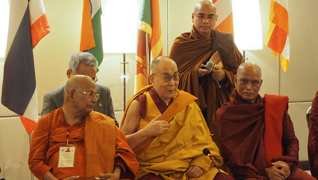 Далай-лама встретился с делегатами Второго диалога по вопросам винаи