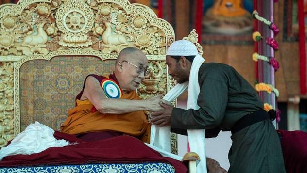 Далай-лама принял участие в открытии Великих летних диспутов