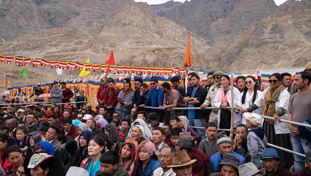 Далай-лама посетил публичную школу «Спринг Дейлз» в Мулбекхе