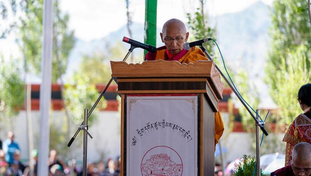 Далай-лама благословил площадку для строительства библиотеки и учебного центра в монастыре Тикси