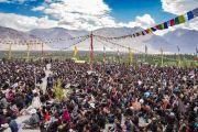 Во время учений Его Святейшества Далай-ламы в Дискит Пходранге, на которые собралось более 5600 верующих. Дискит, Ладак, штат Джамму и Кашмир, Индия. 13 июля 2018 г. Фото: Тензин Чойджор.