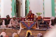 Его Святейшество Далай-лама обращается к представителям мусульманских общин в новой мечети Дискит Джама Масджид. Дискит, Ладак, штат Джамму и Кашмир, Индия. 13 июля 2018 г. Фото: Тензин Чойджор.