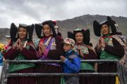 Местные жители ожидают прибытия Его Святейшества Далай-ламы в Занскар. Занскар, штат Джамму и Кашмир, Индия. 21 июля 2018 г. Фото: Тензин Чойджор.