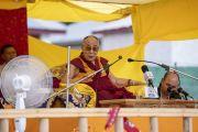 Его Святейшество Далай-лама дарует наставления верующим в парке Хуссейна. Каргил, Ладак, штат Джамму и Кашмир, Индия. 25 июля 2018 г. Фото: Тензин Чойджор.