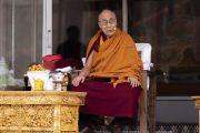 Его Святейшество Далай-лама дарует наставления ученикам, преподавателям и местным жителям в школе «Спринг Дейлз». Мулбекх, Ладак, штат Джамму и Кашмир, Индия. 26 июля 2018 г. Фото: Тензин Чойджор.