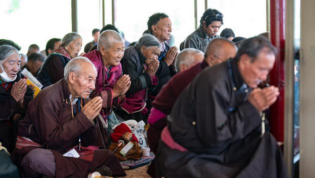 Учения Его Святейшества Далай-ламы в Ле завершились посвящением долгой жизни