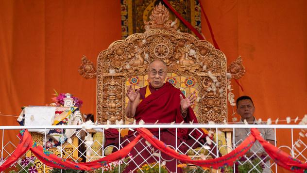 Далай-лама посетил Тибетскую детскую деревню в Чогламсаре