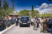 По завершении первого дня двухдневных учений, организованных на площадке Шевацель, Его Святейшество Далай-лама возвращается в свою резиденцию. Ле, Ладак, штат Джамму и Кашмир, Индия. 30 июля 2018 г. Фото: Тензин Чойджор.