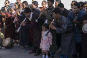 Ладакские музыканты совершают музыкальное подношение Его Святейшеству Далай-ламе, прибывшему на площадку для проведения учений Шевацель. Ле, Ладак, штат Джамму и Кашмир, Индия. 31 июля 2018 г. Фото: Тензин Чойджор.
