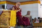 Его Святейшество Далай-лама дарует наставления студентам и преподавателям государственного мемориального колледжа им. Елеазара Джолдана. Ле, Ладак, штат Джамму и Кашмир, Индия. 2 августа 2018 г. Фото: Тензин Чойджор.
