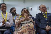 Слушатели смеются над шутками Его Святейшества Далай-ламы во время лекции в Институте менеджмента Гоа. Санкелим, штат Гоа, Индия. 8 августа 2018 г. Фото: Тензин Чойджор.