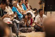 Слушатели во время лекции Его Святейшества Далай-ламы о древней индийской мудрости в современном мире. Бангалор, штат Карнатака, Индия. 12 августа 2018 г. Фото: Тензин Чойджор.