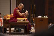 Его Святейшество Далай-лама читает лекцию о древней индийской мудрости в современном мире. Бангалор, штат Карнатака, Индия. 12 августа 2018 г. Фото: Тензин Чойджор.