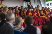 Настоятели разных монастырей слушают наставления Его Святейшества в Институте высшего образования под эгидой Далай-ламы. Бангалор, штат Карнатака, Индия. 13 августа 2018 г. Фото: Тензин Чойджор.