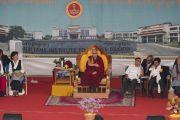 Его Святейшество читает лекцию студентам и местным жителям в Институте высшего образования под эгидой Далай-ламы. Бангалор, штат Карнатака, Индия. 13 августа 2018 г. Фото: Тензин Чойджор.