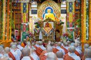 Его Святейшество Далай-лама во время первого дня четырехдневных учений, организованных по просьбе буддистов из Юго-Восточной Азии. Дхарамсала, Индия. 4 сентября 2018 г. Фото: Тензин Чойджор.