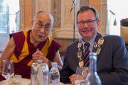 Его Святейшество Далай-лама и мэр Мальмё во время совместного обеда. Мальмё, Швеция. 13 сентября 2018 г. Фото: Малин Килстрем/IM.