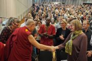 Дээрхийн Гэгээнтэн Далай Лам Малмогийн их сургуульд хүрэлцэн ирж байгаа нь. Швейд, Малмо. 2018.09.13. Гэрэл зургийг Жереми Рассел