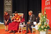 Его Святейшество Далай-лама отвечает на вопросы слушателей во время публичной лекции в университете Мальмё. Мальмё, Швеция. 13 сентября 2018 г. Фото: Джереми Рассел.